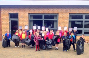 Litter pick group Douglas P2-3